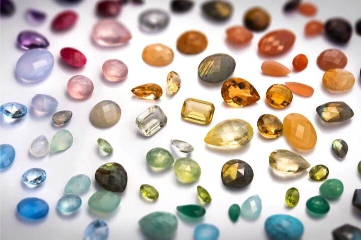 Les pierres de naissance